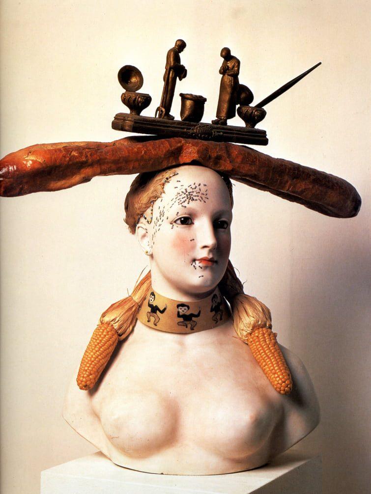 Ретроспективный портрет женщины