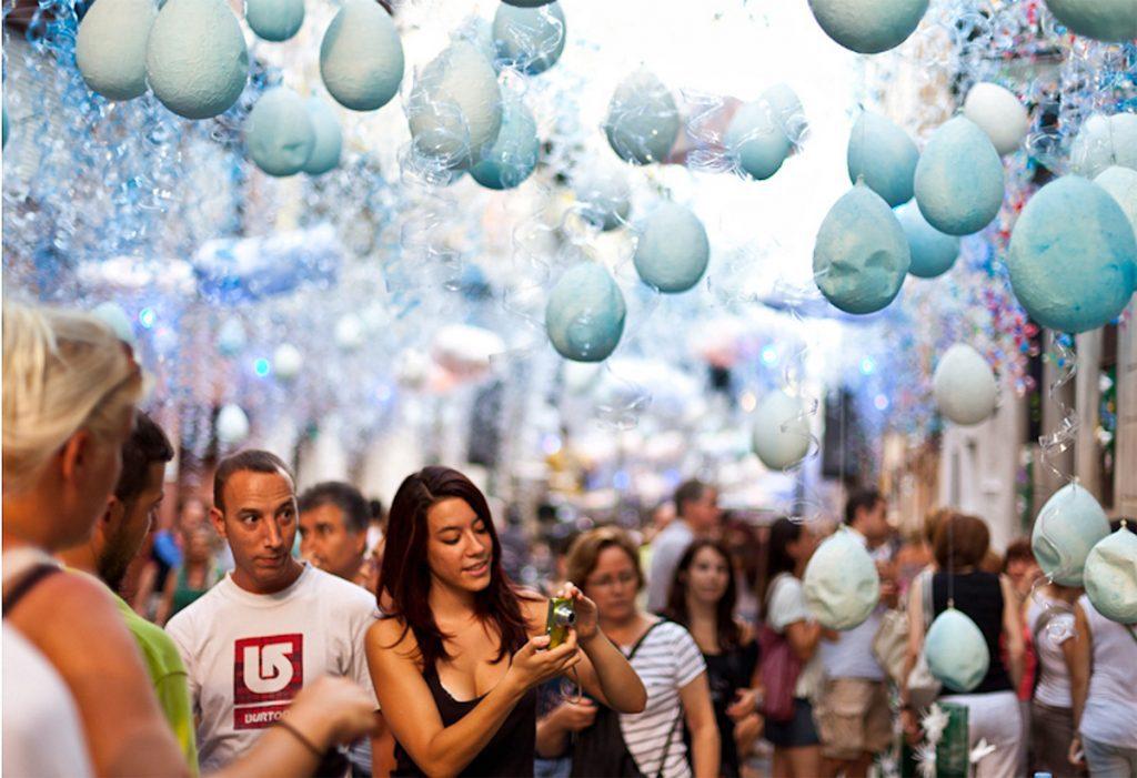 Барселона. Яркий фестиваль в районе Сантс