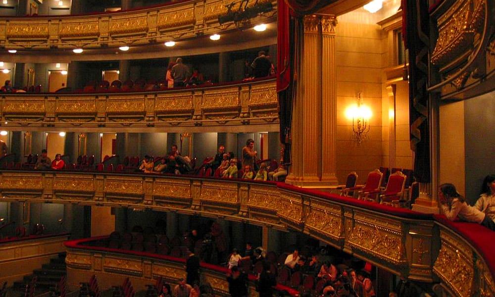 Зрители сорвали спектакль в Королевском театре Мадрида