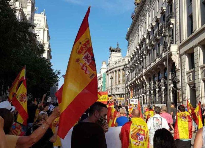 Многотысячный митинг против испанского правительства