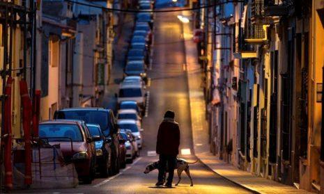 Пустые улицы Мадрида, Барселоны и Севильи