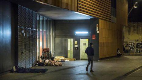 Найдены тела двух бездомных на улицах Барселоны после холодной бури
