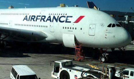 Франция изменила правила въезда в страну для иностранцев