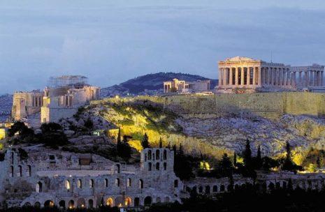 Акрополь в Афинах завалило снегом
