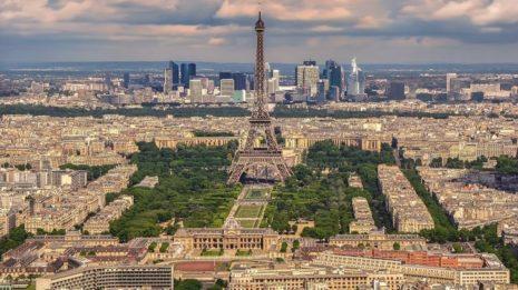 В Париже снова карантин и комендантский час