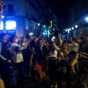 """Испания выходит из """"состояния тревоги"""" с эйфорией, сомнениями и беспокойством"""