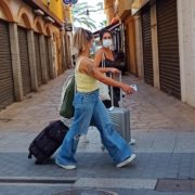 Испания обсуждает вопрос о прекращении использования масок