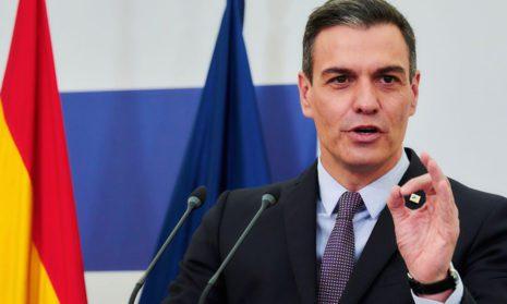 """Про здравый смысл: премьер Испании призвал разрешить привитым """"Спутником V"""" въезд в Евросоюз"""