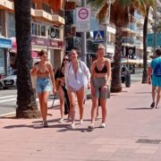 Новый удар по туризму: Германия помещает всю Испанию в зону риска из-за Covid
