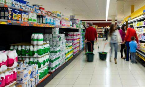 В Испании молоко дешевле воды: ценовая война в молочном секторе