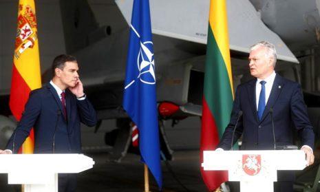 Пресс-конференция премьера Испании и президента Литвыбыла прервана из-за сигнала о тревоге