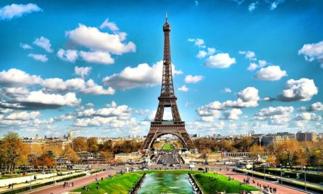 Франция упростит получение паспортов вакцинации иностранцами